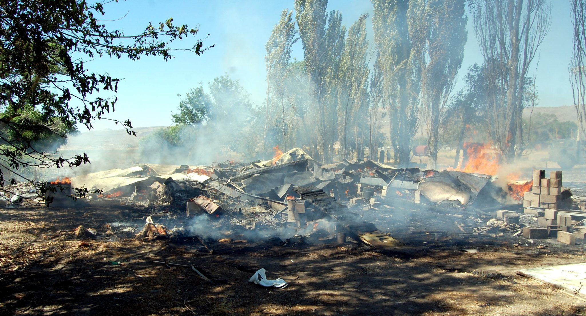 Fire destroys three Alamo abandoned mobile homes