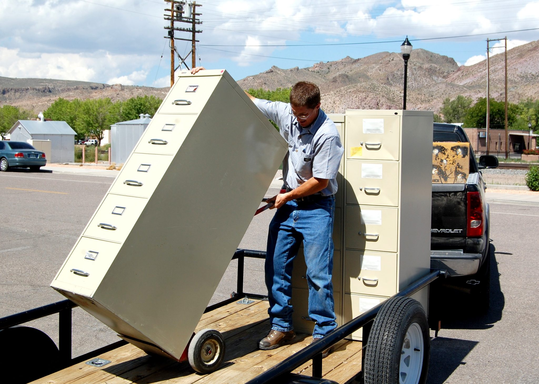 NV Energy donates office furniture to county