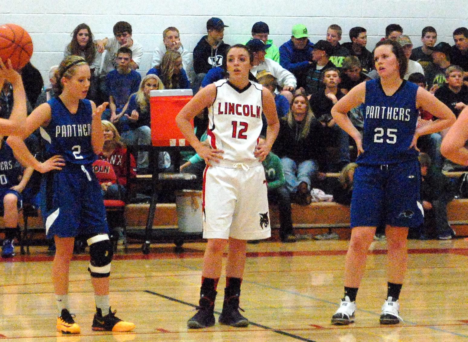 County Showdown: Lady Panthers drop Lady Lynx