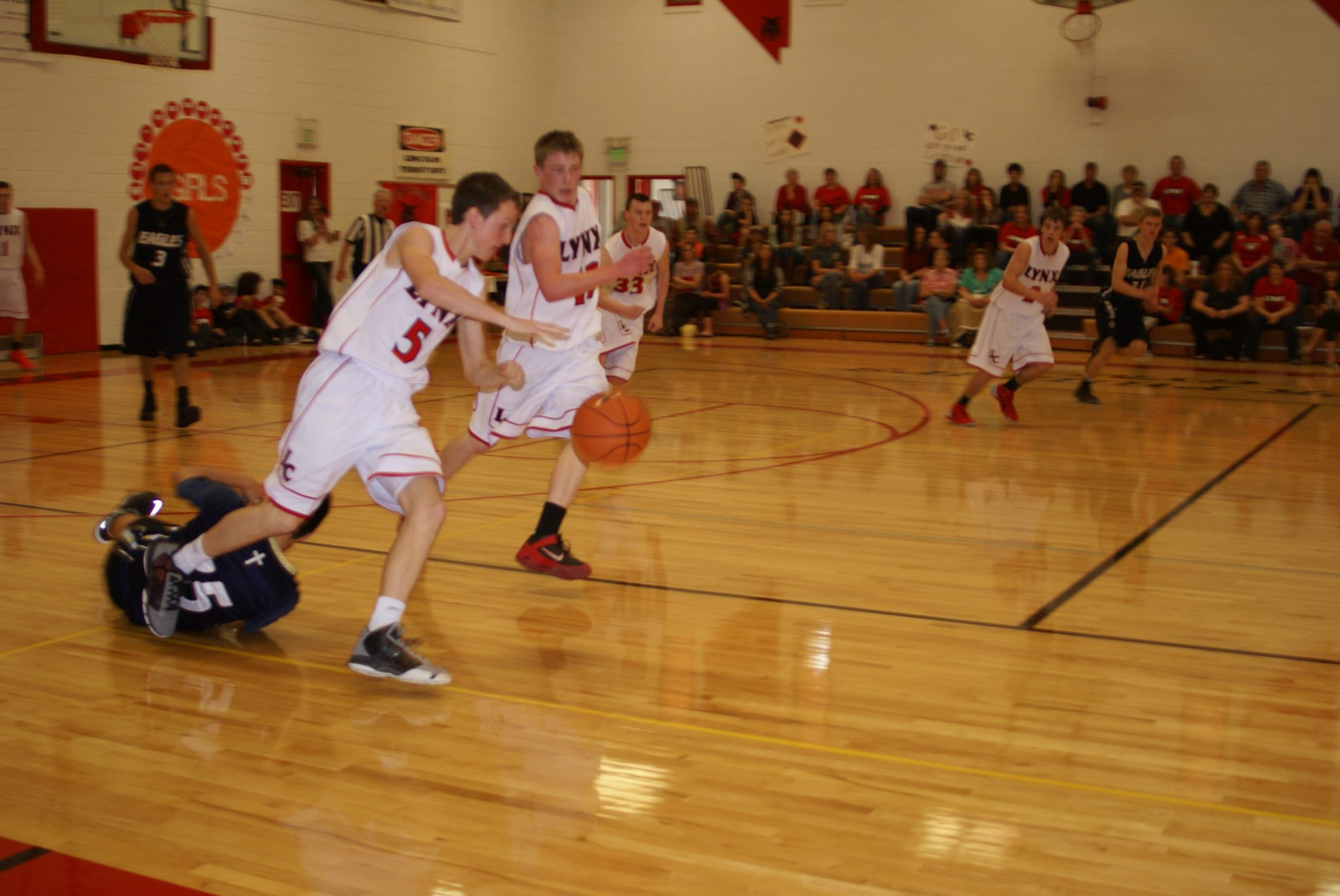 Lincoln boys get win over Lake Mead, fall to Meadows
