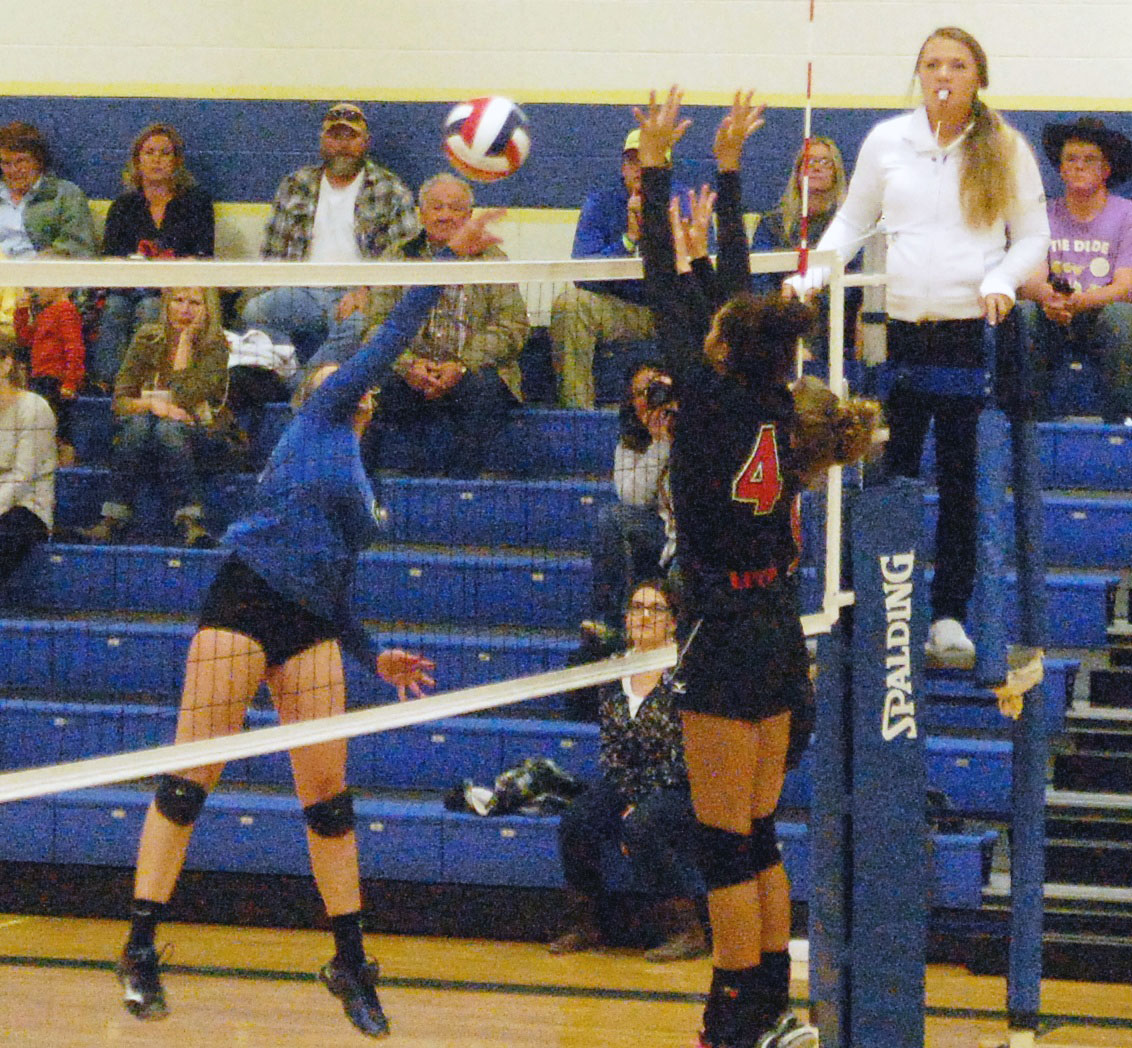 Lady Panthers top Lincoln in playoff tuneup