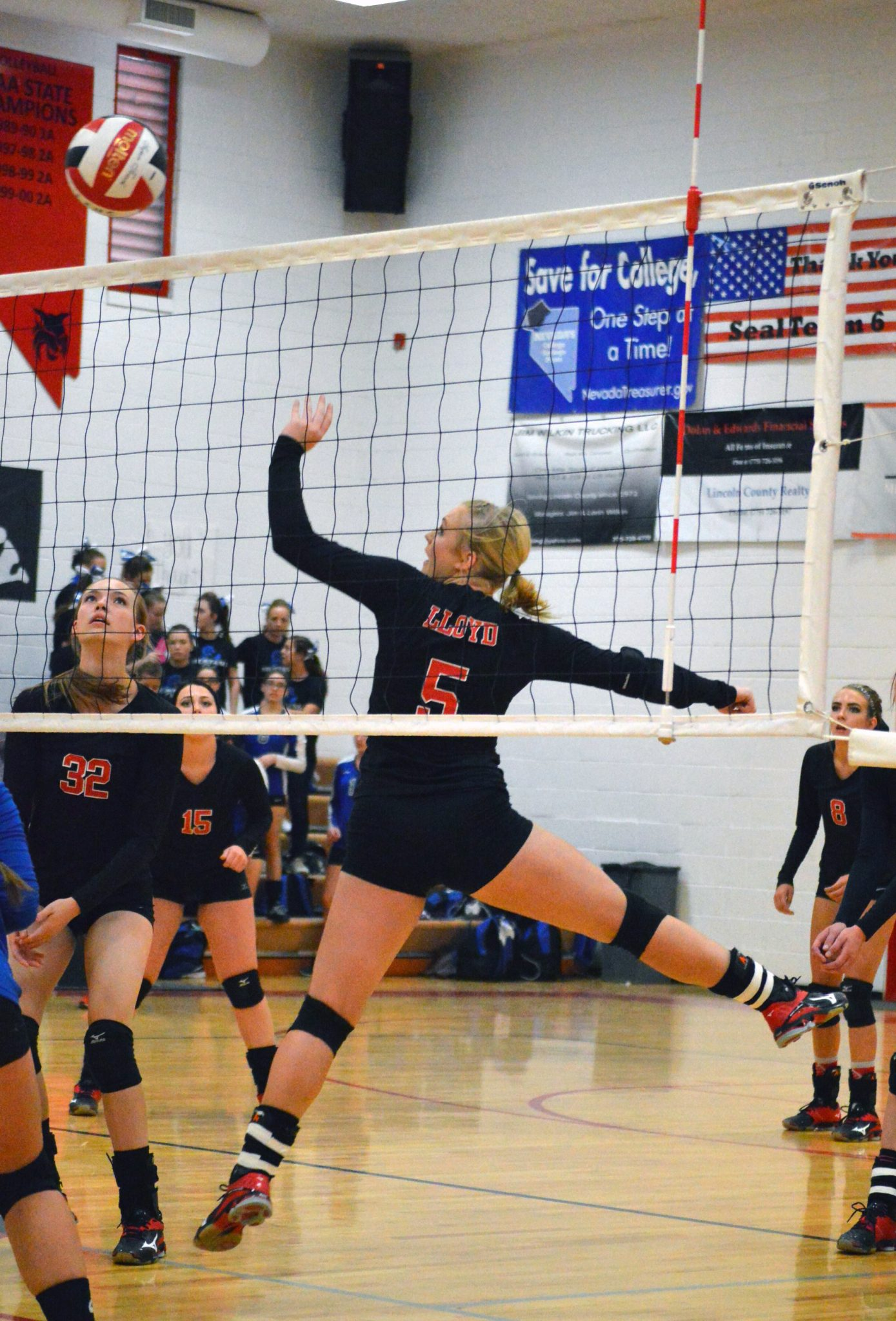 Lincoln Earns Wins Against Needles and Mountain View