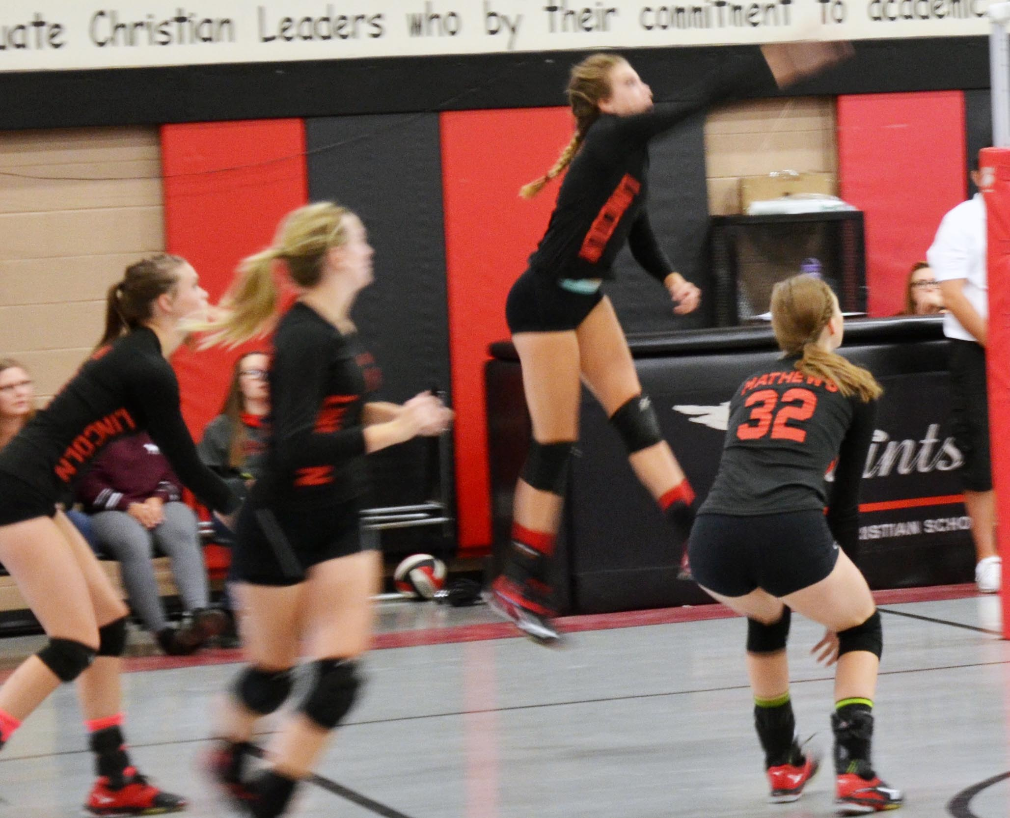Lincoln Volleyball Nearing League Playoffs