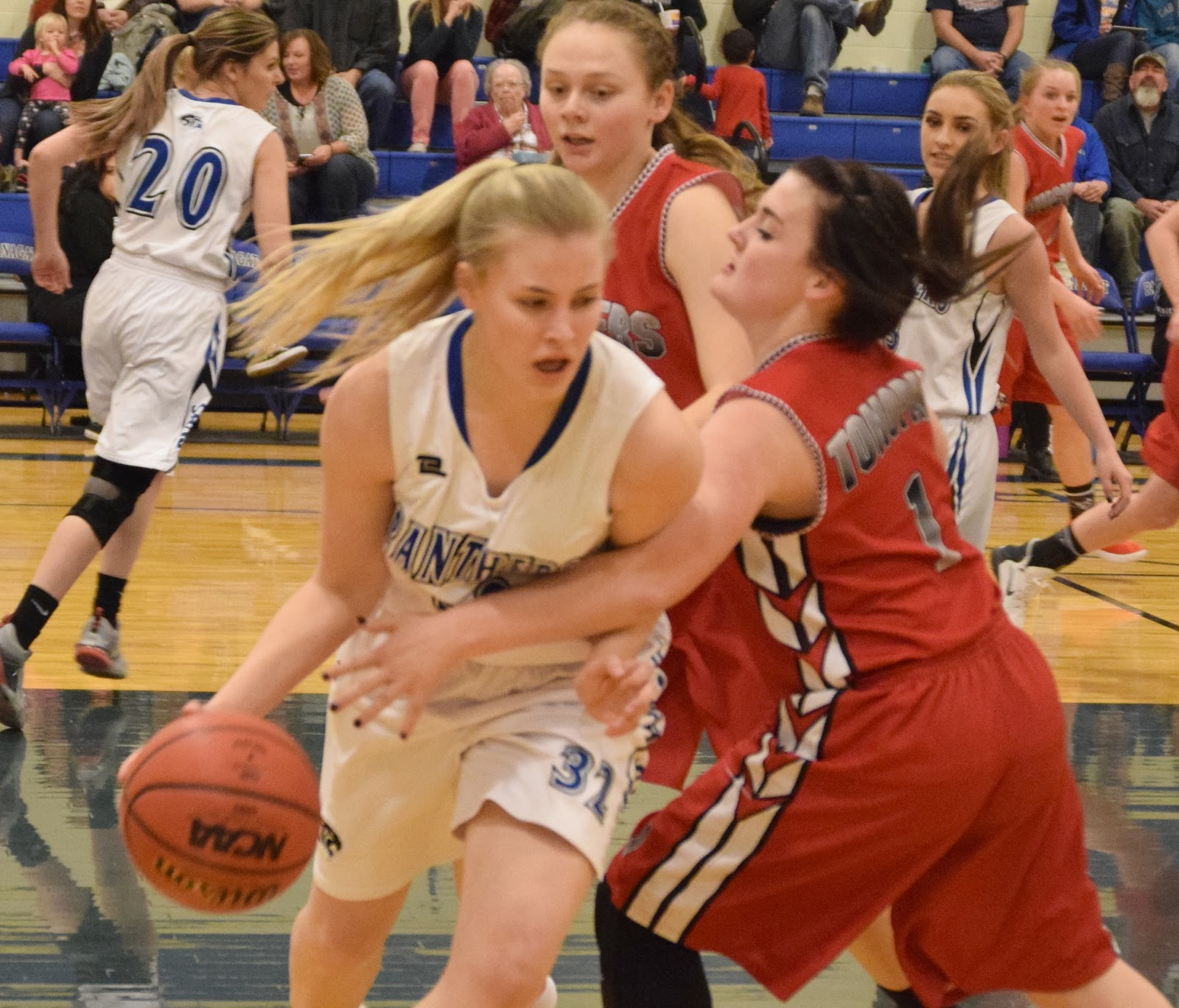 Panther Girls Move Closer Toward League Title