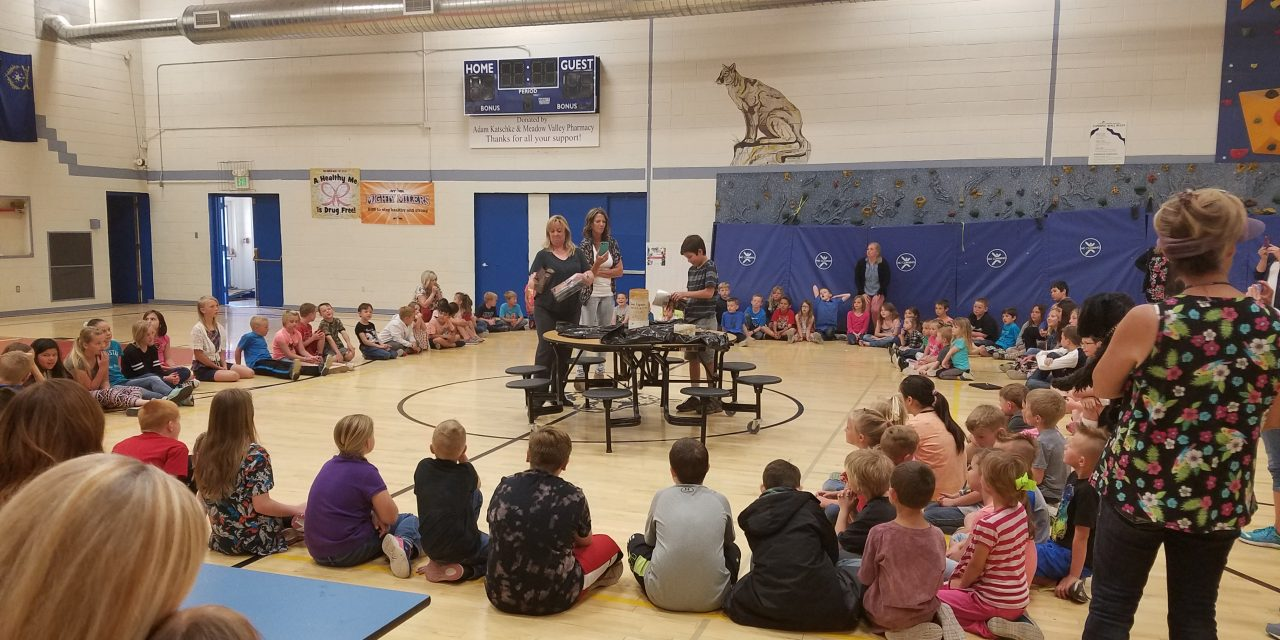 Caliente Elementary Goes Back in Time Through 1998 Time Capsule